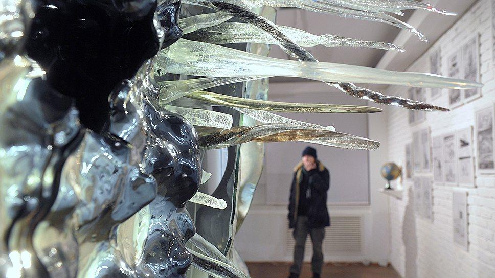 """На выставке """"Лаборатория льда"""" в Laboratoria Art & Science Space художники решают острые политические проблемы Севера"""