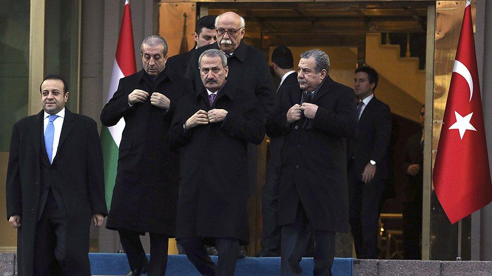 Министры правительства Турции (на фото) оказались замешаны в беспрецедентном коррупционном скандале