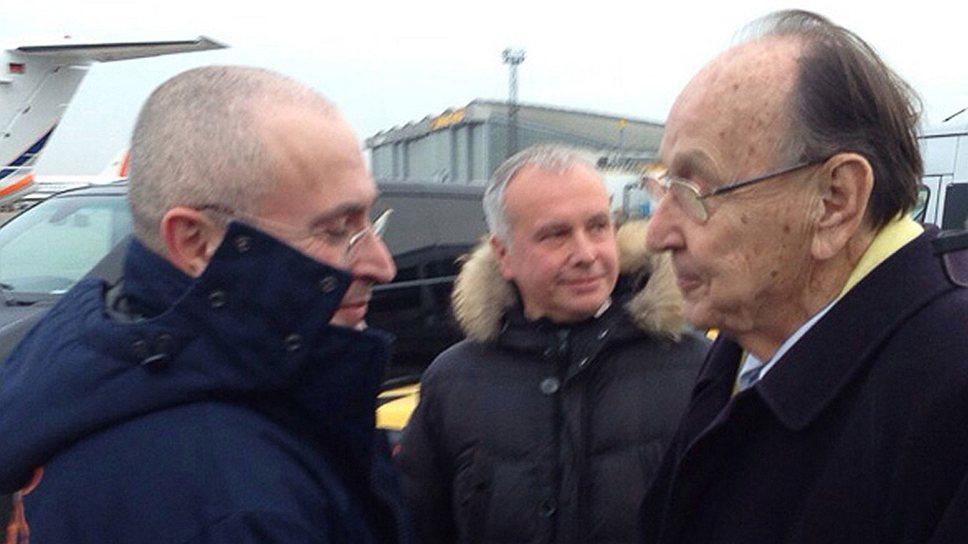 Как Михаил Ходорковский улетел на свободу