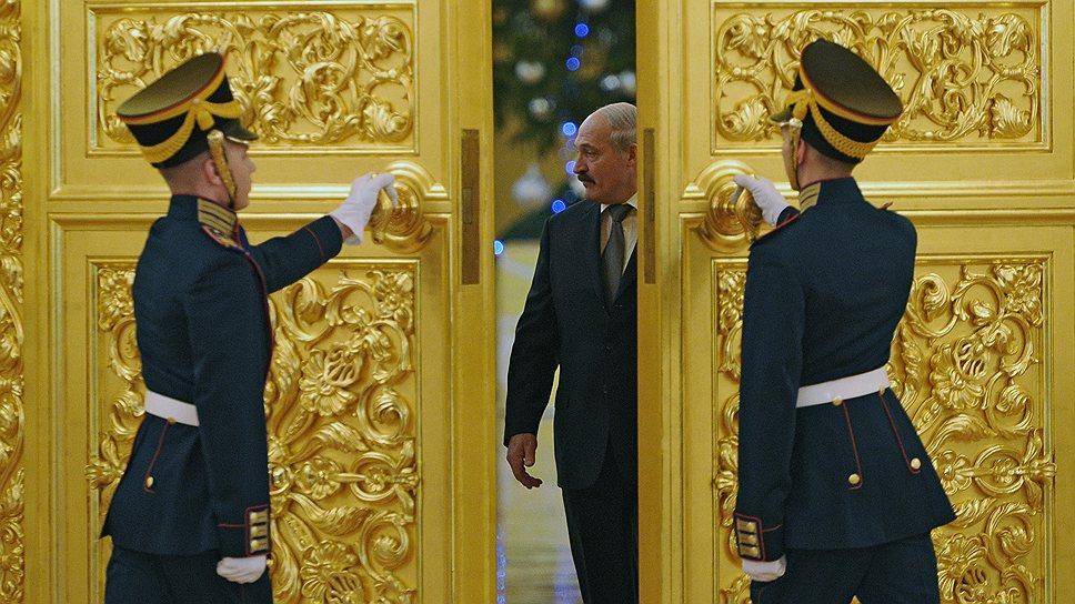 Александр Лукашенко за два дня в Кремле приобрел взаймы $2 млрд