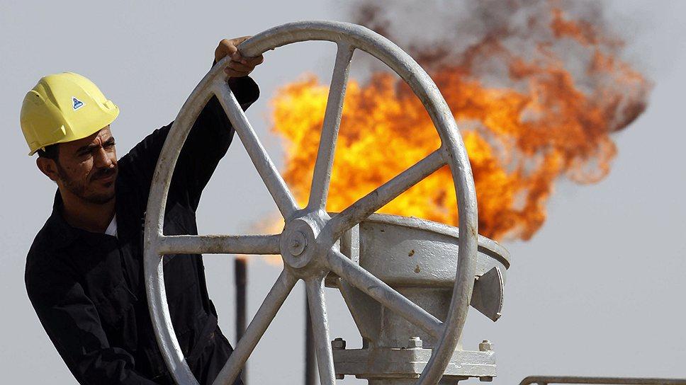 Россия умеет себе поставить / Она готова закупать иранскую нефть вопреки протестам США