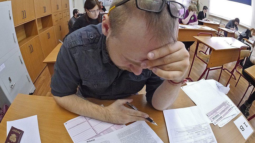 В Рособрнадзоре обещают, что с введением новых правил сдачи ЕГЭ списать на экзамене будет невозможно