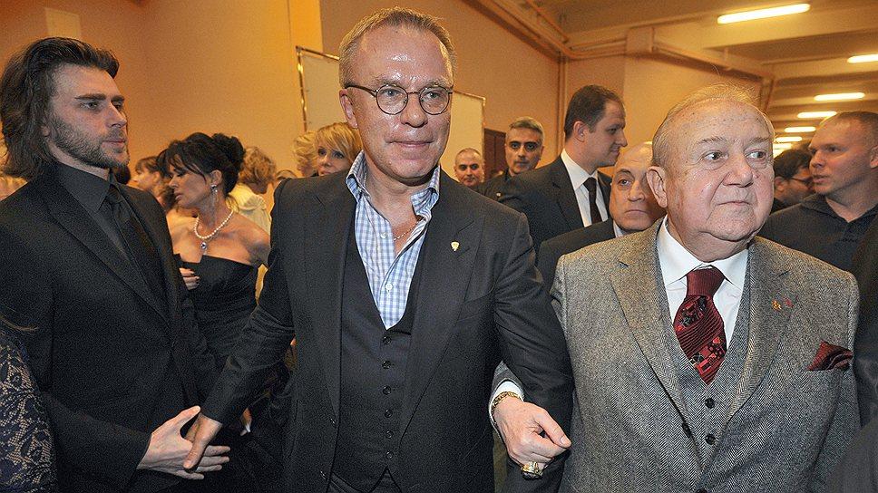 Вячеслав Фетисов (в центре) и Зураб Церетели (справа) оказались в числе ценителей российского киноискусства