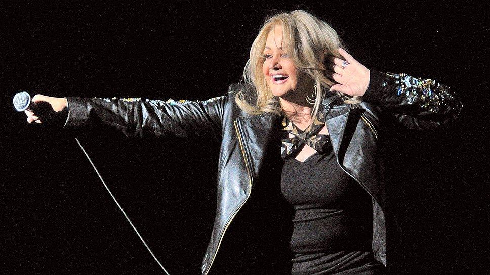 На концерте в Crocus City Hall Бонни Тайлер порадовала всех старыми хитами, кавер-версиями и новым альбомом