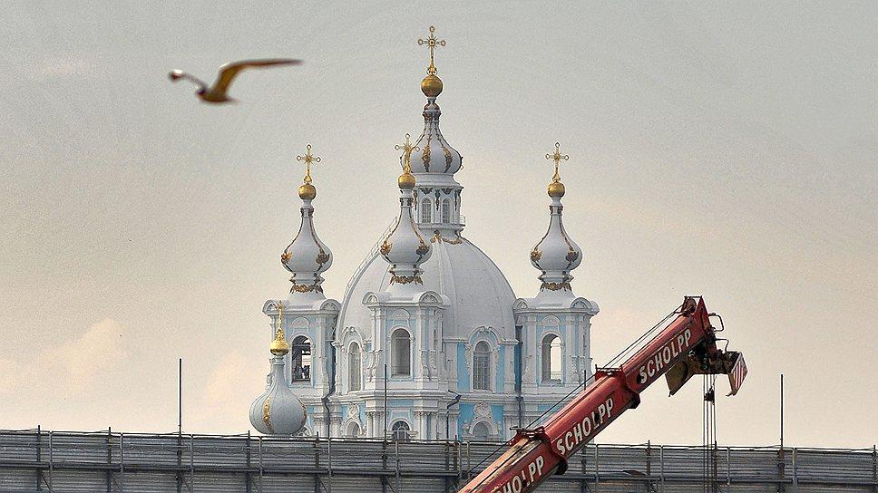 «Газпром» выдавили из культурного слоя