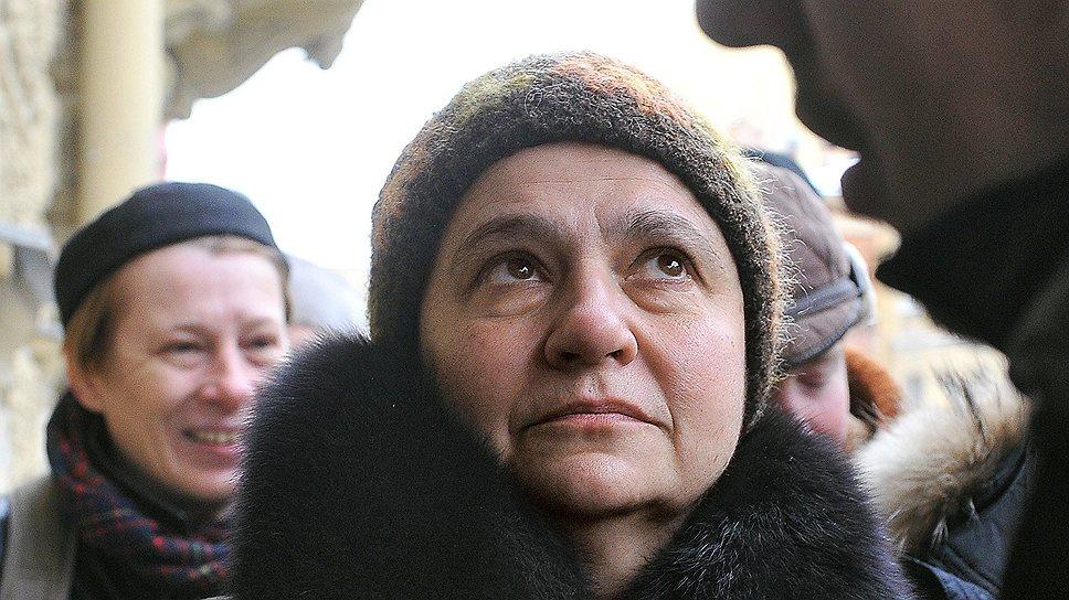 Крупнейший специалист по русскому авангарду Елена Баснер подозревается в соучастии в крупном мошенничестве