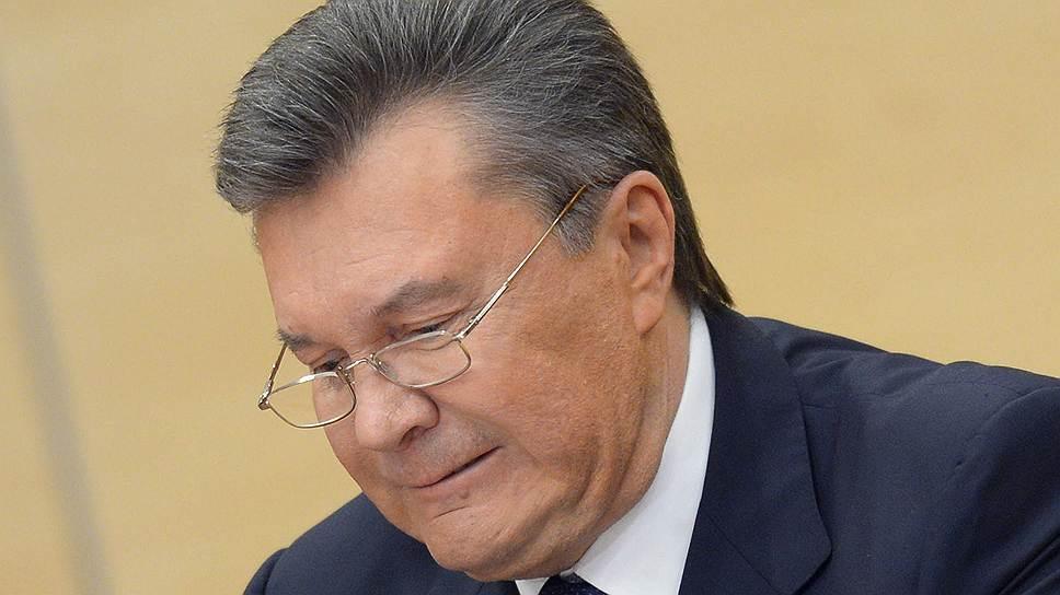 Виктор Янукович наводит порядок твердой ручкой / Каким предстал президент Украины в изгнании