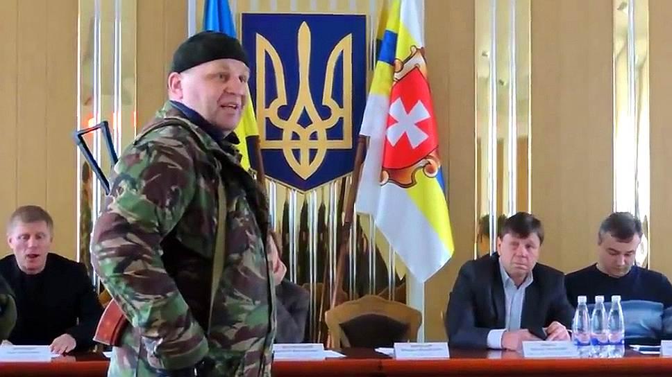Сашко Билый, по версии МВД Украины, был застрелен из своего же пистолета