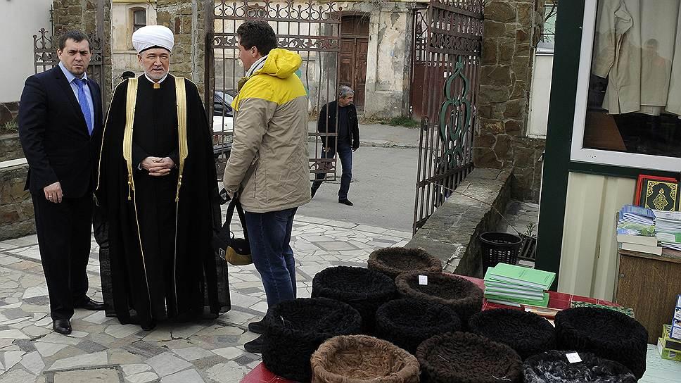 Как крымские татары укрепили правительство региона