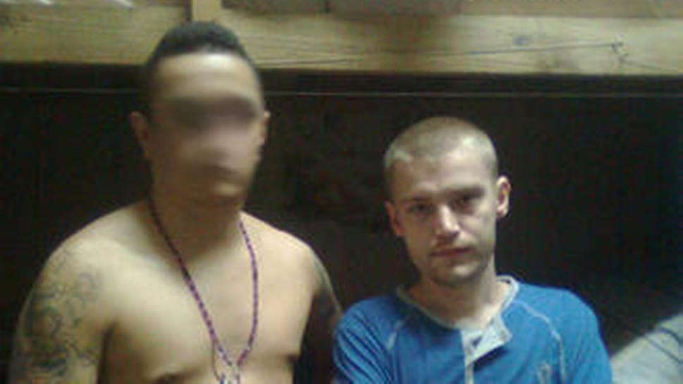 МИД РФ считает экстрадицию Максима Чухарева (справа) незаконной