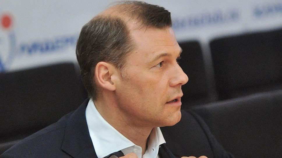 Как с Дмитрием Страшновым продлили контракт еще на пять лет
