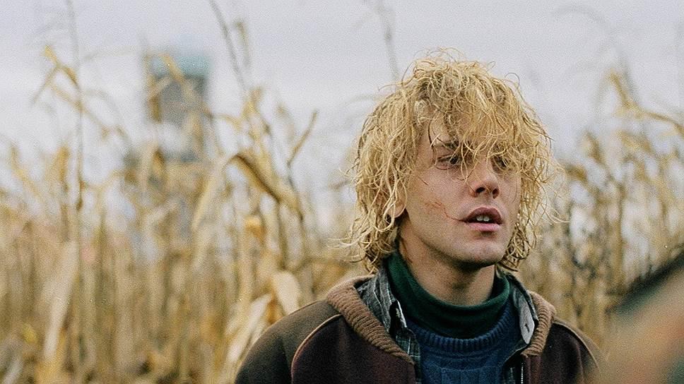 Заглавную роль героя-нарцисса с крашеными белыми космами Ксавье Долан оставил себе