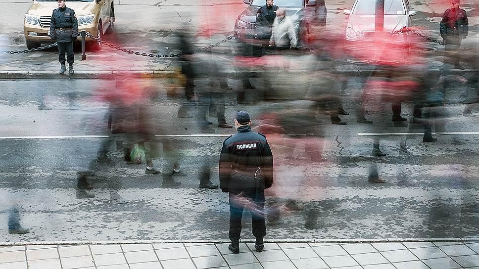 Как были введены ограничения на выезд сотрудников силовых структур за границу