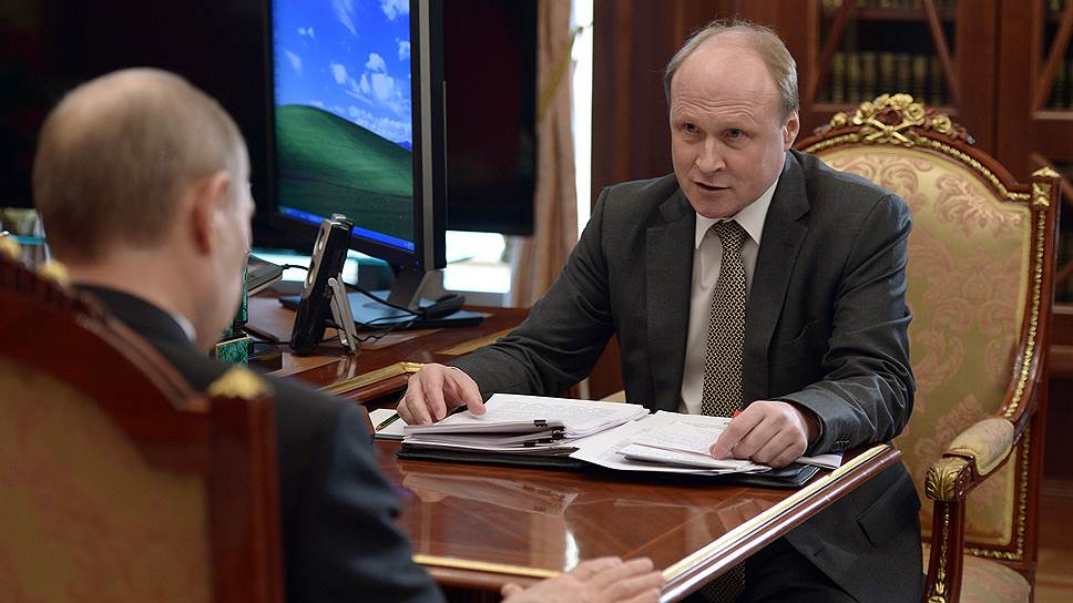 Советник президента Владимир Толстой разговаривал с Владимиром Путиным с полуулыбкой, которая означала, что в любой момент можно отменить все, что тот советует