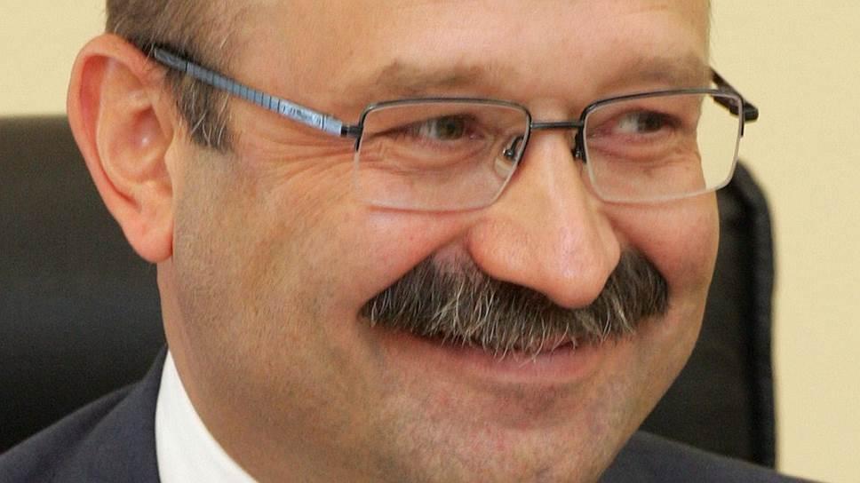 4 мая исполнится 51 год президенту--председателю правления ВТБ 24 Михаилу Задорнову
