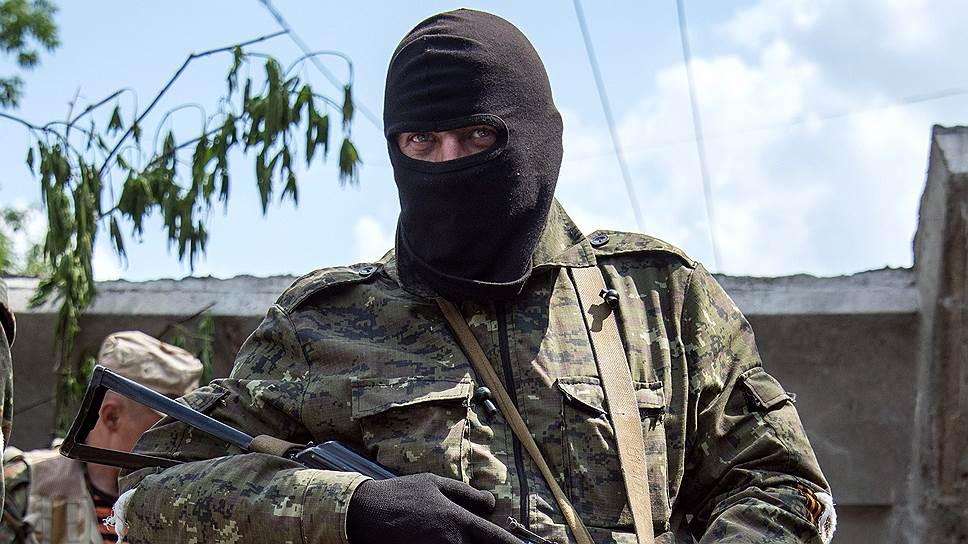 """Отряды самоопределения / Спецкор """"Ъ"""" наблюдал за ходом референдума в Донбассе"""