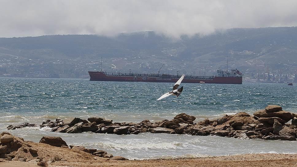 Крым хочет сменить порты на курорты