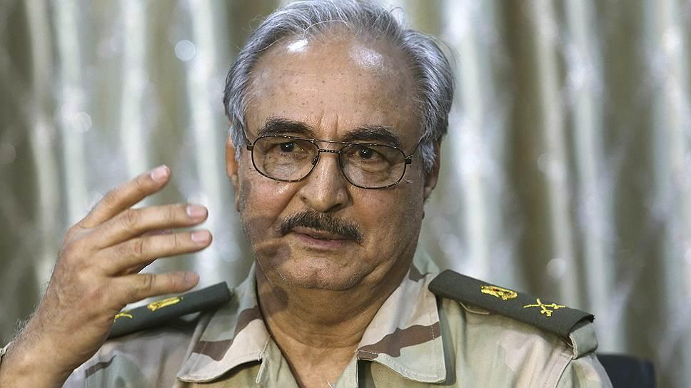 Отставной генерал Халифа Хафтар поднял мятеж против правительства Ливии, обвинив его в связях с террористами
