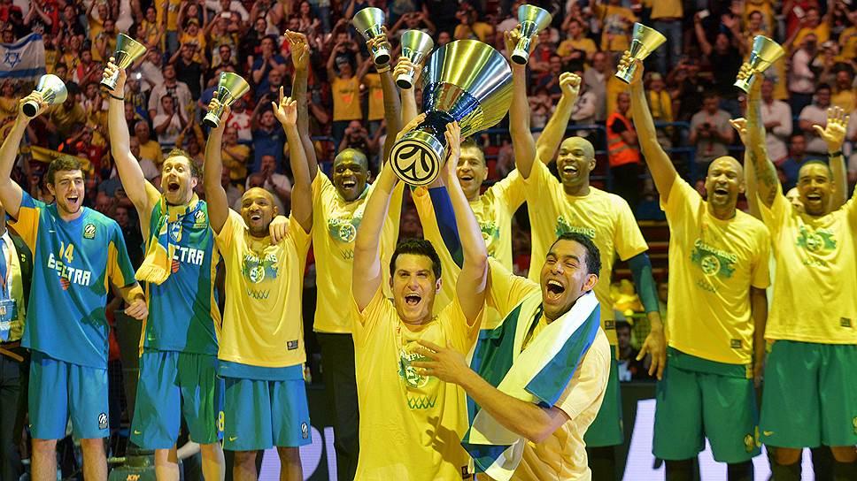 «Маккаби», считавшийся аутсайдером «Финала четырех», сенсационно выиграл в решающем матче у его фаворита — «Реала» — и в пятый раз стал победителем Евролиги