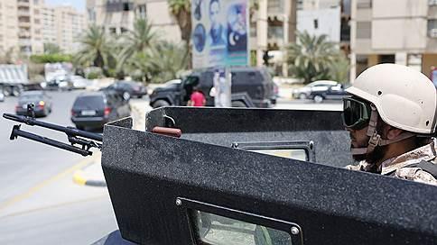 Американских морпехов послали поближе к Ливии  / А граждан США призвали ее покинуть