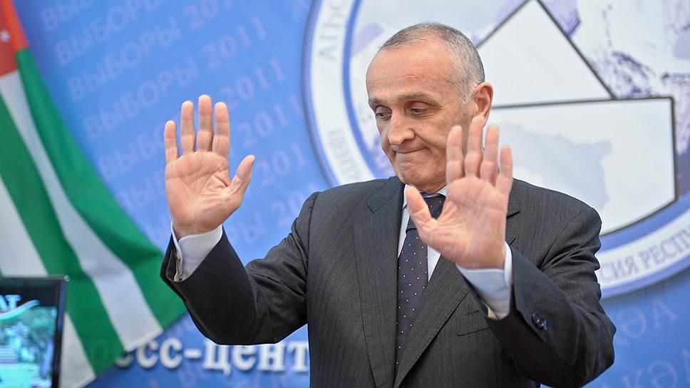 Свою отставку президент Абхазии Александр Анкваб объяснил необходимостью «сохранения гражданского мира»