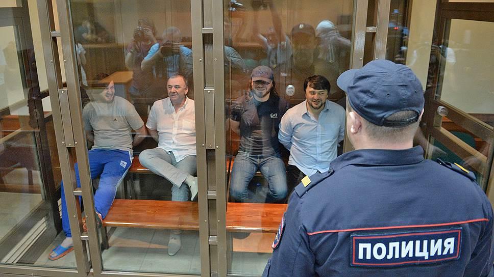 Обвиняемые по делу об убийстве Анны Политковской получили от 12 лет колонии до пожизненного заключения