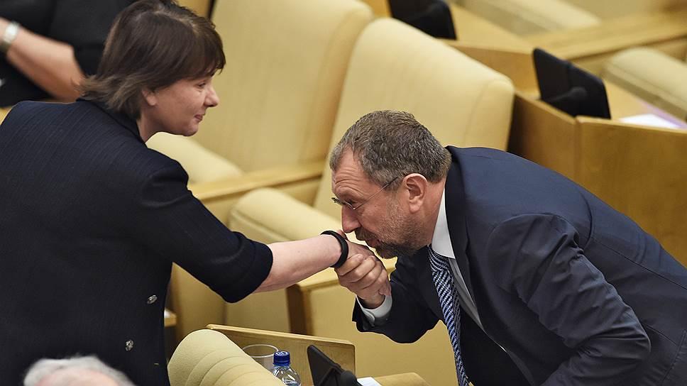 Глава комитета по финансовому рынку Наталья Бурыкина смягчила позицию по ОСАГО под действием обстоятельств