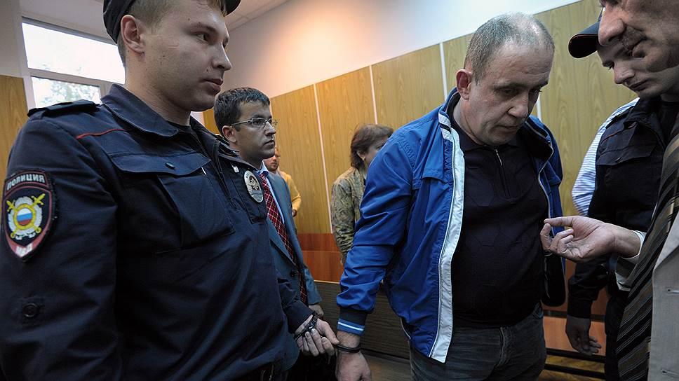 Бывший полковник МВД Сергей Хацернов после оглашения приговора был взят под стражу в зале суда