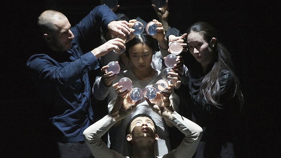 «Генезис» — один из лучших балетов в и без того успешной карьере хореографа Сиди Ларби Шеркауи