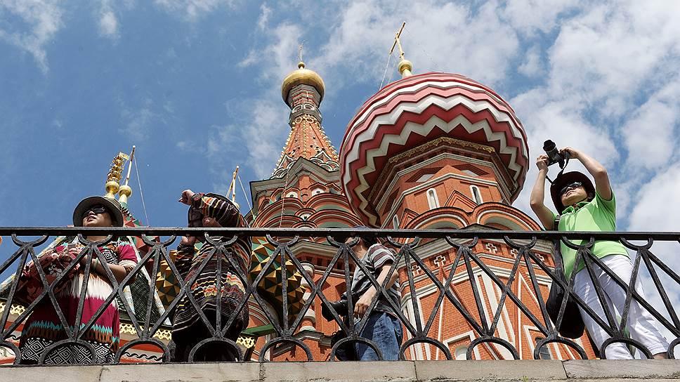 Как в Москве начала работать туристическая полиция