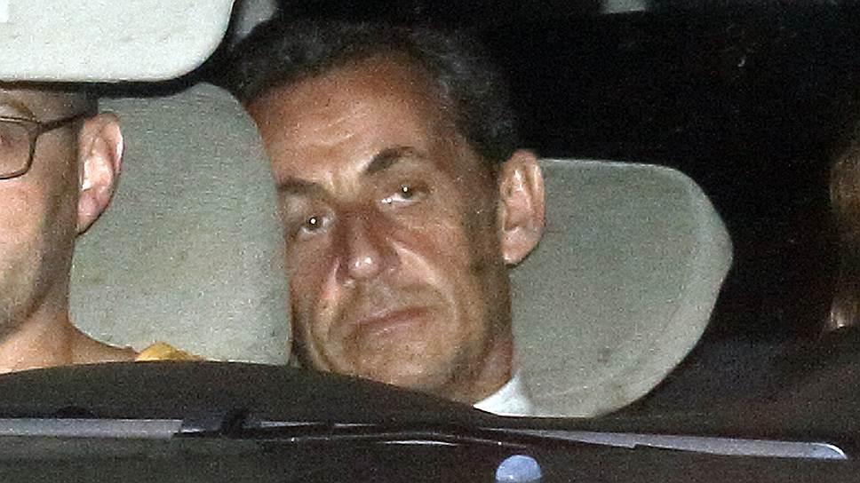 Выдвинутые против Никола Саркози обвинения значительно отдалили его от возможности вернуться в президентское кресло