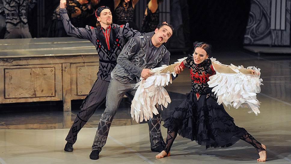 «Лебединое озеро» Раду Поклитару — выдающийся образец балетного трэша