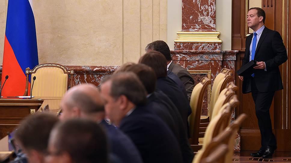 Почему России придется выбирать между мобилизацией и сменой экономического курса