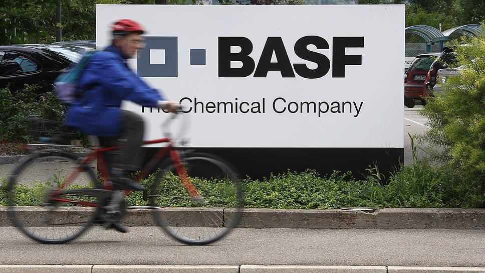 """Почему """"Газпром"""" и BASF решили подождать до зимы"""