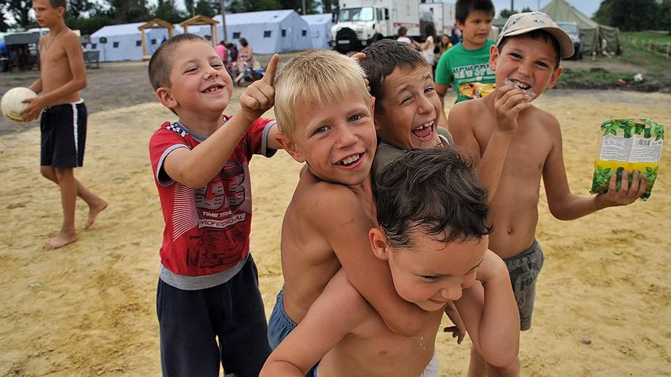 Украинским беженцам рады в России