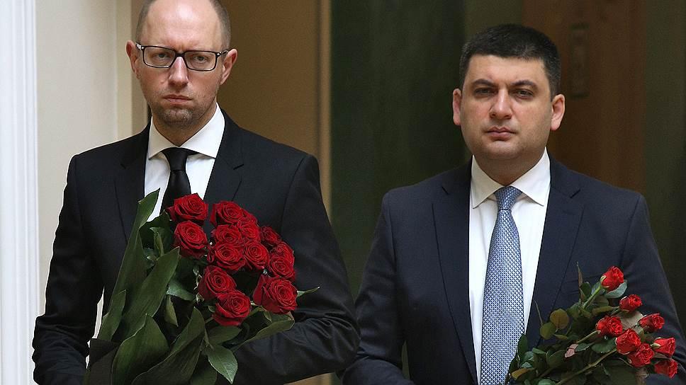 Премьер-министр Украины Арсений Яценюк (слева) и вице-премьер Вадим Гройсман (справа)