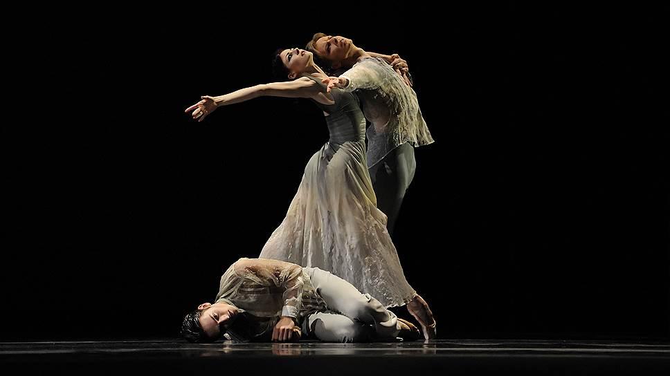 От «Призраков» английского хореографа Кристофера Уилдона в голове остается лишь смутное воспоминание