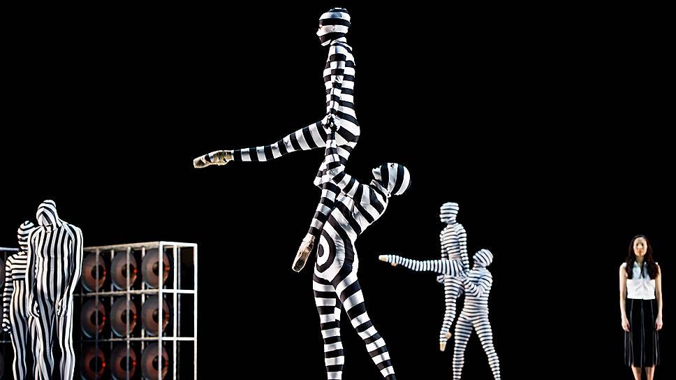 Из мутантов постнуклеарной эры получились презанятные танцующие скульптуры поп-арта