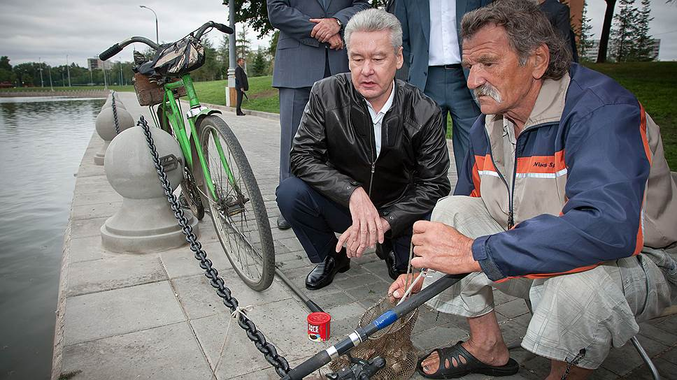 Столичный мэр Сергей Собянин (слева) уверен, что от внешнего вида набережных «зависит комфортность проживания в городе»