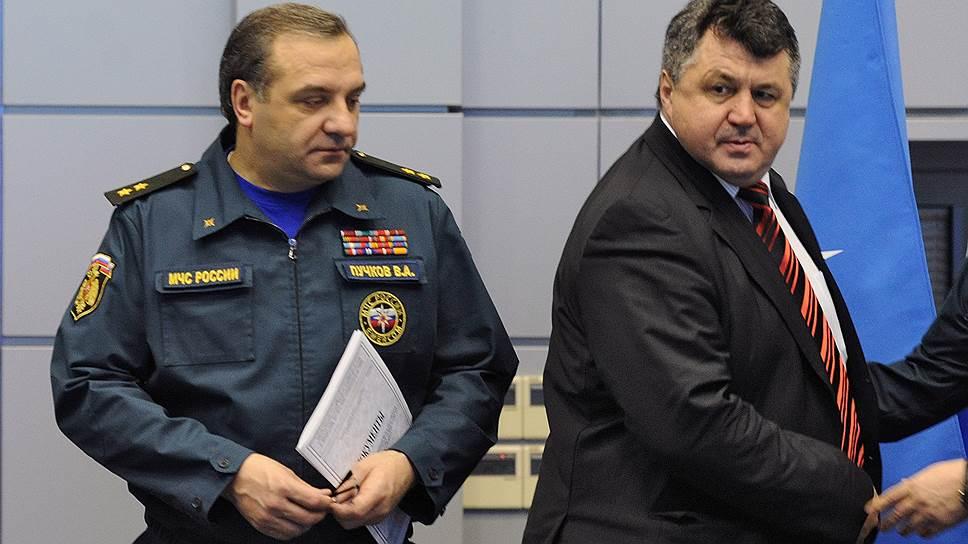 Александр Черногоров (справа) готов биться за подписи муниципальных депутатов в суде