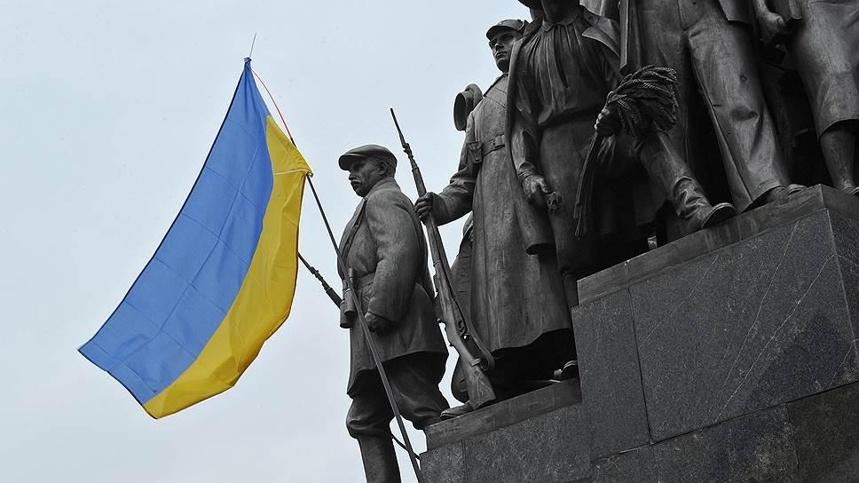 Как Украина встала на путь ЕС и США