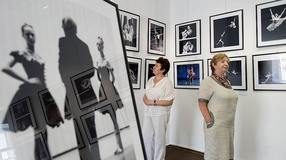 Джордж Баланчин (на экране) делил своих балерин на «лошадок» и «кошечек» — и те и другие отличались стройностью и длинноногостью