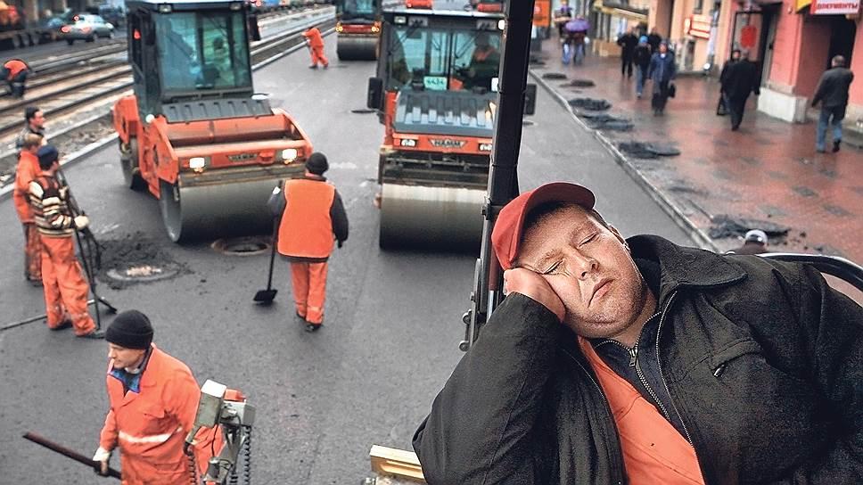 Бюджетные деньги пошли опасными дорогами / В Санкт-Петербурге аудиторы нашли нарушения при транспортном строительстве на 14млрд руб.