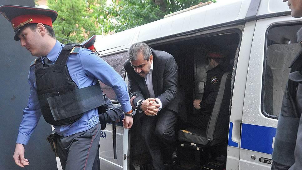 Дело Владимира Жамборова (на фото) хотят довести до суда
