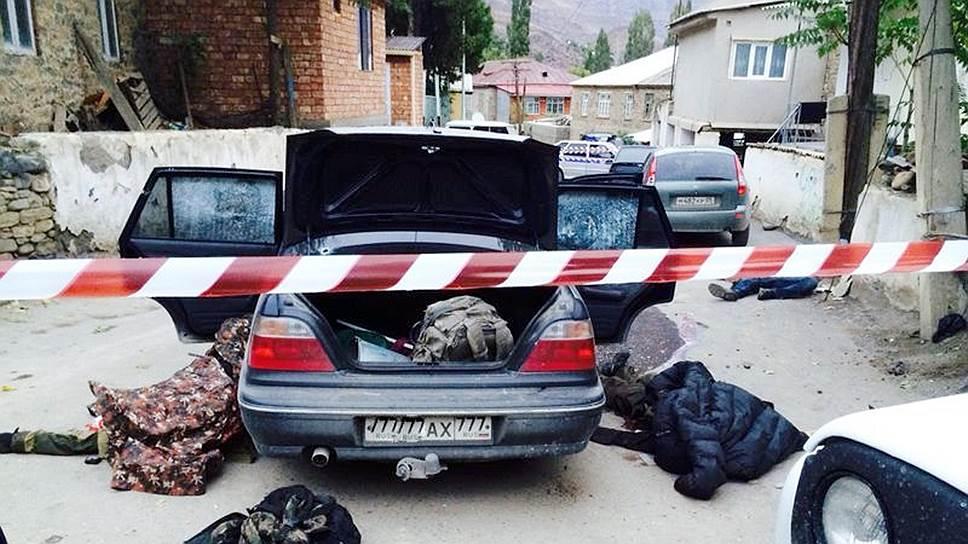 Боевиков остановили на полицейском посту
