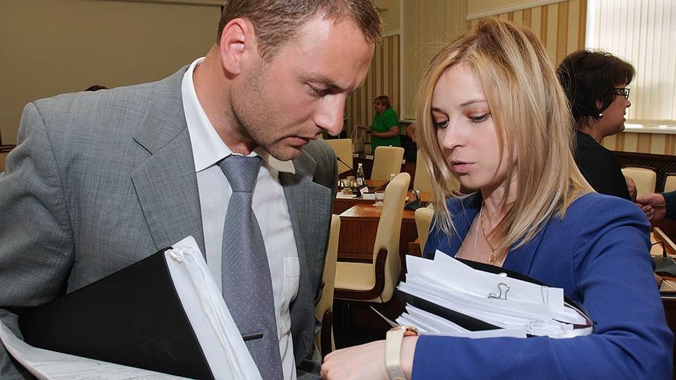 Министр промышленной политики Крыма Андрей Скрынник и прокурор Крыма Наталья Поклонская готовы подождать, пока предприниматели перерегистрируются по российскому закону