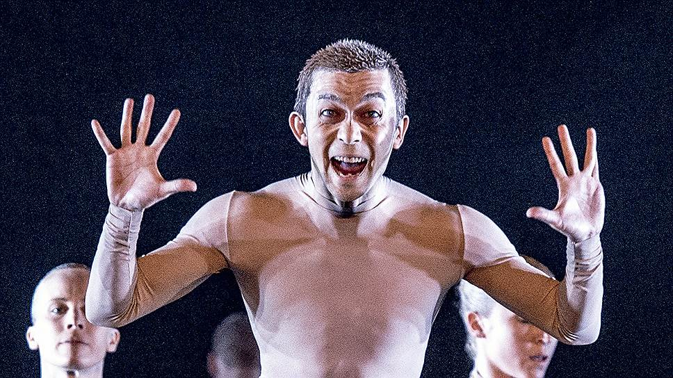 Постановкой израильского дуэта Эяль—Бехар под названием «Bill» Королевский балет Швеции рассчитывает завлечь молодую аудиторию