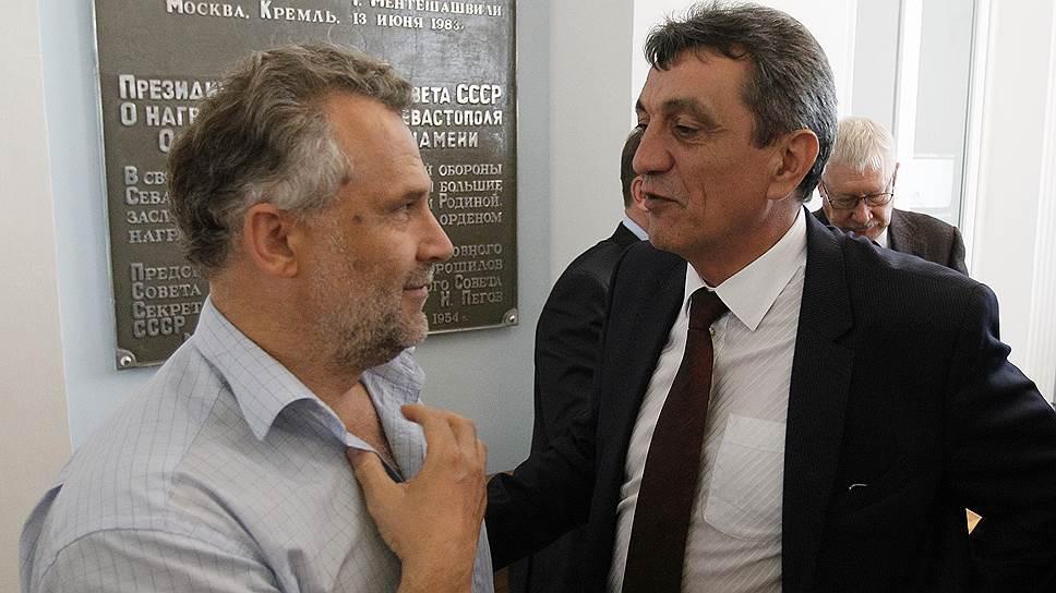Как у Сергея Меняйло и Алексея Чалого появился новый предмет для спора