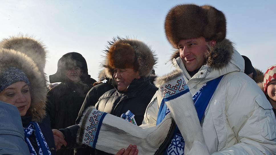 Дмитрию Кобылкину (справа) прочат повышение с поста губернатора Ямало-Ненецкого АО на федеральный уровень