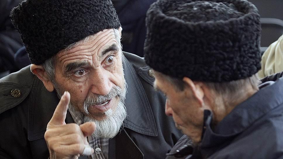 В противовес оппозиционному Меджлису уже созданы две провластные  организации крымских татар